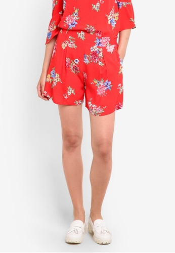 Dorothy Perkins red Red Floral Shorts DO816AA94GWFMY_1