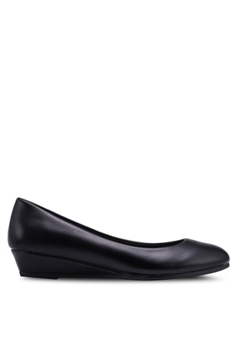 Bata black Round Toe Wedges D057ASH9310331GS_1