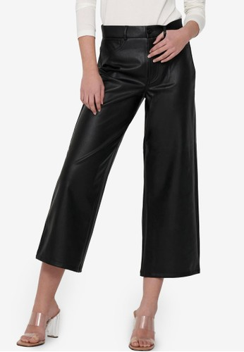 ONLY black Madison Wide Crop Faux Leather Pants 9443FAAEC85F2DGS_1