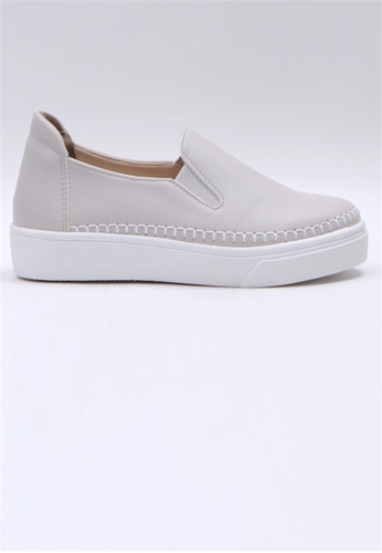 Crystal Korea Fashion 灰色 韓國制百搭舒適輕便休閒鞋 8A08FSH12D0C38GS_1