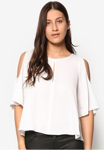 鏤空挖肩五分袖T-shirt、 服飾、 上衣TOPSHOP鏤空挖肩五分袖上衣最新折價