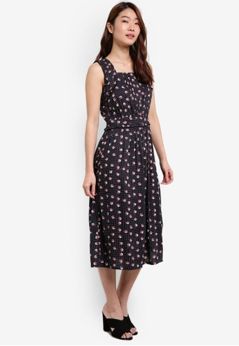 ZALORA black Strap Detail Fit & Flare Dress 92D2FAAC819871GS_1