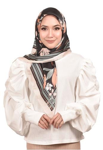FATIMÉ multi Satin Square Hijab Lily (Black) A4CFEAA1AFB62CGS_1