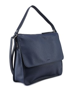 ESPRIT Faux Leather Shoulder Bag Rp 929.000. Ukuran One Size 2554beab17