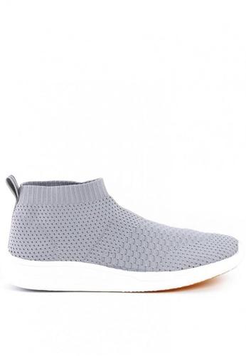 World Balance grey Odyssey MS Slip On Sneakers 6C6C0SHB56B0EBGS_1