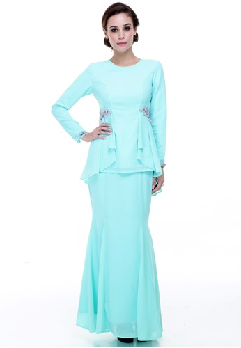 Desni Pelpum Modern from Rina Nichie Couture in green_1