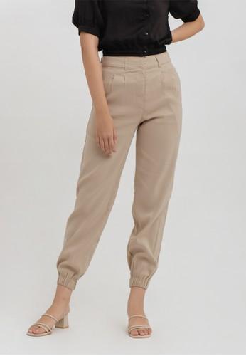 Cloth Inc beige Jogger Pants in Khaki 3DDCEAA77F1560GS_1