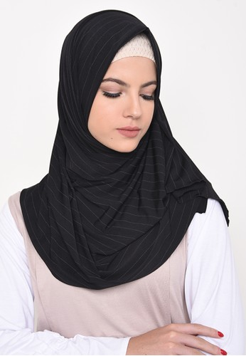 Jual Diindri Hijab Black Soft Lines Pashmina Original | ZALORA Indonesia ®