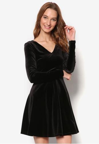 V 領長袖絲絨那個傘擺洋裝, 服esprit服飾飾, 洋裝