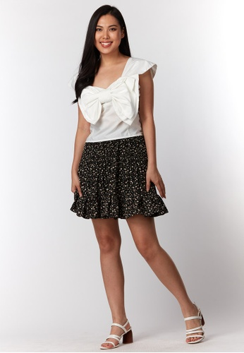 What To Wear white Back Ribbon Details With Smocking Front Crop Top in White 2837CAA5FCBF23GS_1