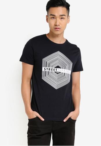 !Solid black Harris Graphic T-Shirt SO701AA77WQOMY_1