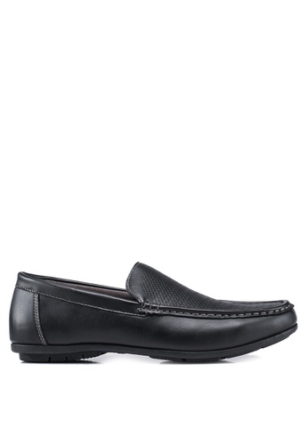 Bata black Textured Loafers B305ESHCC07240GS_1