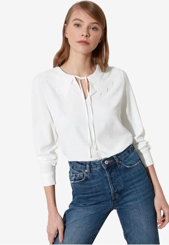 Trendyol white Tie Collar Detail Blouse B0F7BAA527AC83GS_1