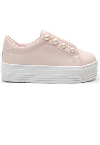 Crystal Korea Fashion 粉紅色 韓國製厚底珍珠裝飾休閒鞋 5CBE4SHC16FF50GS_1