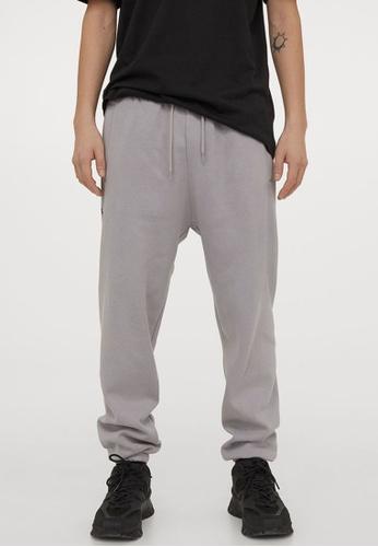H&M grey Joggers 8E0B2AAB372664GS_1