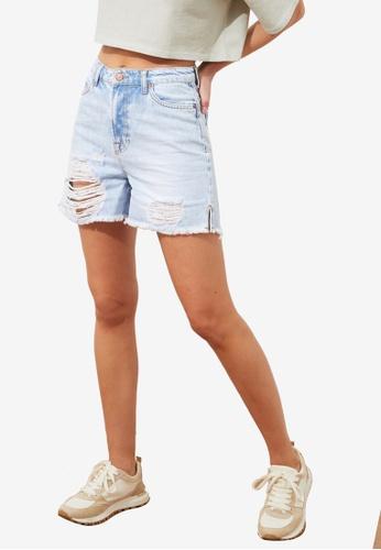 Trendyol blue Ripped Detailed Denim Shorts 0EE0DAA08502A3GS_1