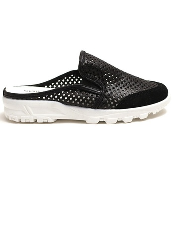 Crystal Korea Fashion black Korean Made Breathable Flat Bottom Light Sandals FDCF8SH9C59B27GS_1