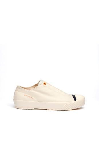 Royal Elastics 米褐色 London英倫風帆布休閒鞋 86675SH2484A20GS_1