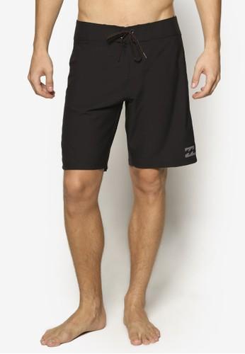 Kirra X 簡約沙灘短褲、 服飾、 運動BillabongKirraX簡約沙灘短褲最新折價