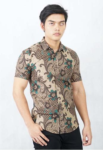 UA BOUTIQUE brown Short Sleeve Shirt Batik UASSB100-081 (Light Brown) 29341AA0FA3189GS_1