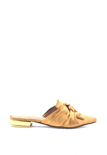 M&G gold Dale Flats by M&G 29FE8SHDA6D318GS_1