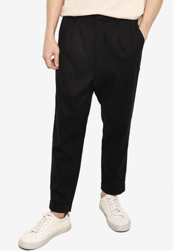 ZALORA BASICS black Carotte Pleated Front Chinos 8D471AA91A31A7GS_1