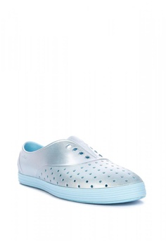d876d7ab1cf57 27% OFF Native Jericho Metallic Sneakers Php 3