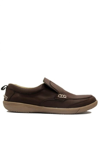 D-Island brown D-Island Shoes Slip On Reborn Special Leather Dark Brown DI594SH71JIUID_1