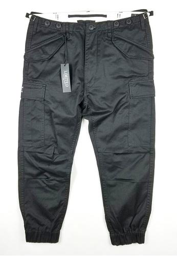 L.I.M.I.T.E black Printed Twill Chino Joggers Pants LI425AA0FCJ4SG_1