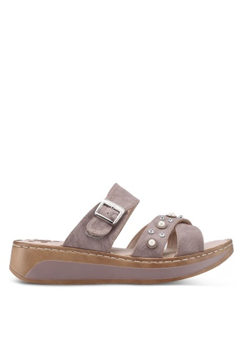 Louis Cuppers brown Crossed Strap Sandals 99A14SH1522875GS_1
