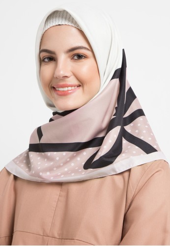 Allea by Itang Yunasz black and white and pink Farhana Scarf 83CA1AAE5204C9GS_1