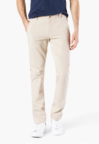 14fcd62f8033 Dockers beige Dockers Dockers Alpha Khaki Pants With Smart 360 Flex, Skinny  Fit Men 55775