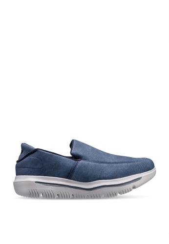 UniqTee blue Lightweight Mesh Slip-On Sport Sneakers DC020SH5E7BE29GS_1