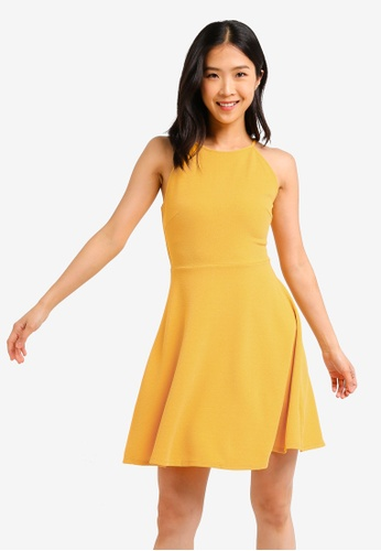 ZALORA BASICS yellow Basic Halter Neck Dress E28C3AADAB4AF6GS_1