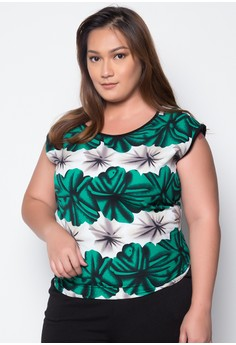 Plus Size Sleeveless Floral Top