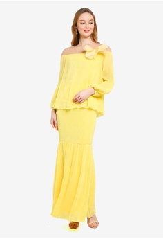 ba754e2882e 15% OFF Lubna Embellished Puff Sleeves Flare Kurung S  99.90 NOW S  84.90  Available in several sizes