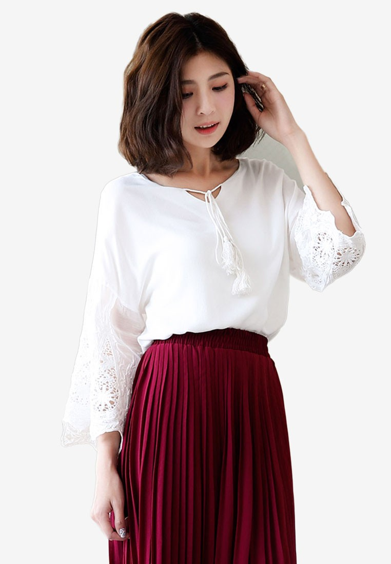 Tassel Strap Lace Sleeved Top