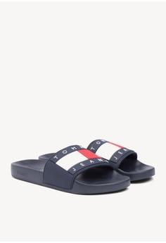 218e320919752 Tommy Hilfiger black Tommy Jeans Flag Pool Slide 234B2SHF9D574FGS 1