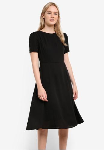 62a182025f7b ZALORA black Short Sleeve Midi Dress 3666EAAF955849GS 1