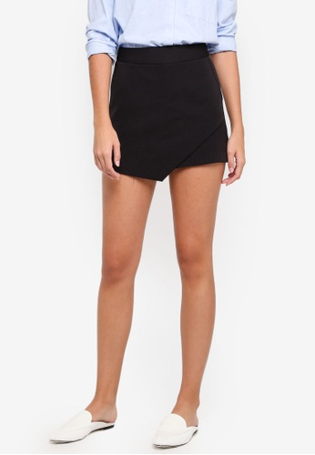 ZALORA black Overlap Shorts 40607AAE754D94GS_1