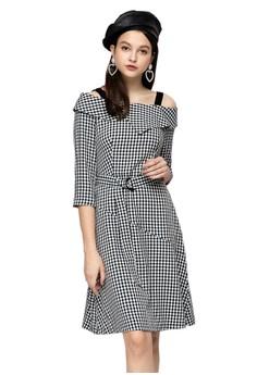 OUWEY歐薇 經典格紋可拆式肩帶七分袖長版洋裝 H56767