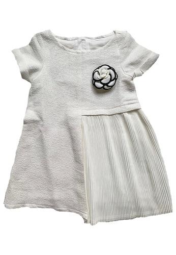 Era Maya white Glowing Metallic Thread Pleated Dress with Camellia Brooch 72CA3KA28DC99FGS_1