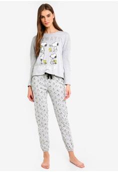 f7af5903096 39% OFF OVS Snoopy Pyjama Set S  61.90 NOW S  37.90 Sizes S M XL
