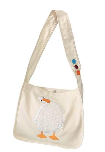 Sunnydaysweety white Embroidered Duckling Canvas Shoulder Bag A092514W 52A45AC8B7897DGS_1