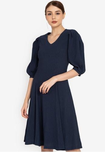 ZALORA OCCASION blue Textured Puff Sleeve Midi Dress 06949AA60B386EGS_1