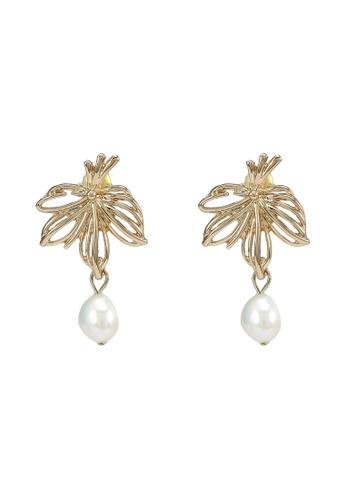 Red's Revenge gold Floral Frame Pearl Stud Earrings 04EF4ACEA70F3FGS_1