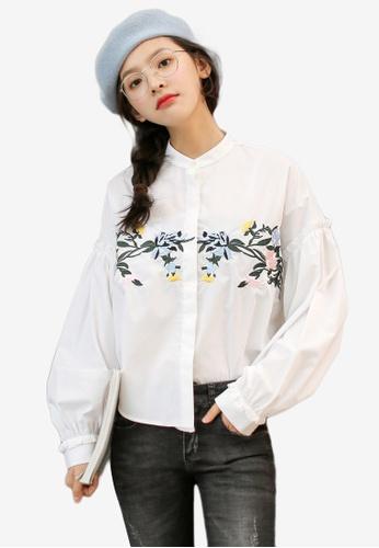 Shopsfashion white Floral Embroidery Shirt 8B8BEAAFC86B3CGS_1