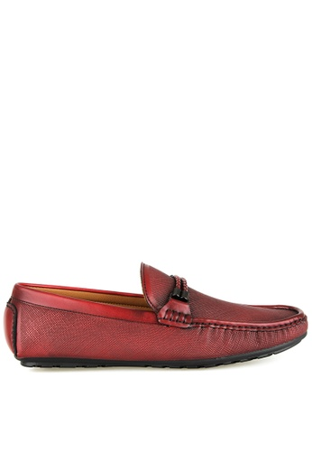 Tomaz red Tomaz C391 Braided Buckle Moccasins (Wine) 63D08SHEF01FDBGS_1