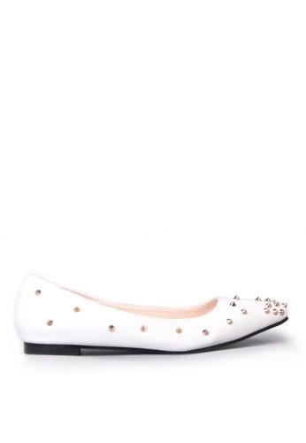 Sunnydaysweety white Stylish Tip Rivet Pointed  Flat Shoes C12031W SU443SH78ZZPHK_1
