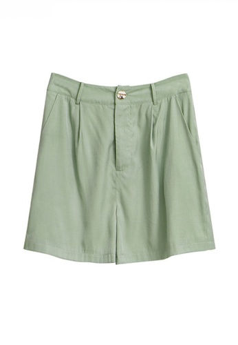 Twenty Eight Shoes green Modish High Waisted Straight Shorts JW VY-W2111005 CA295AA8F4D64BGS_1